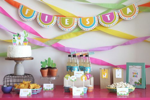 llama party table, ideas and decorations